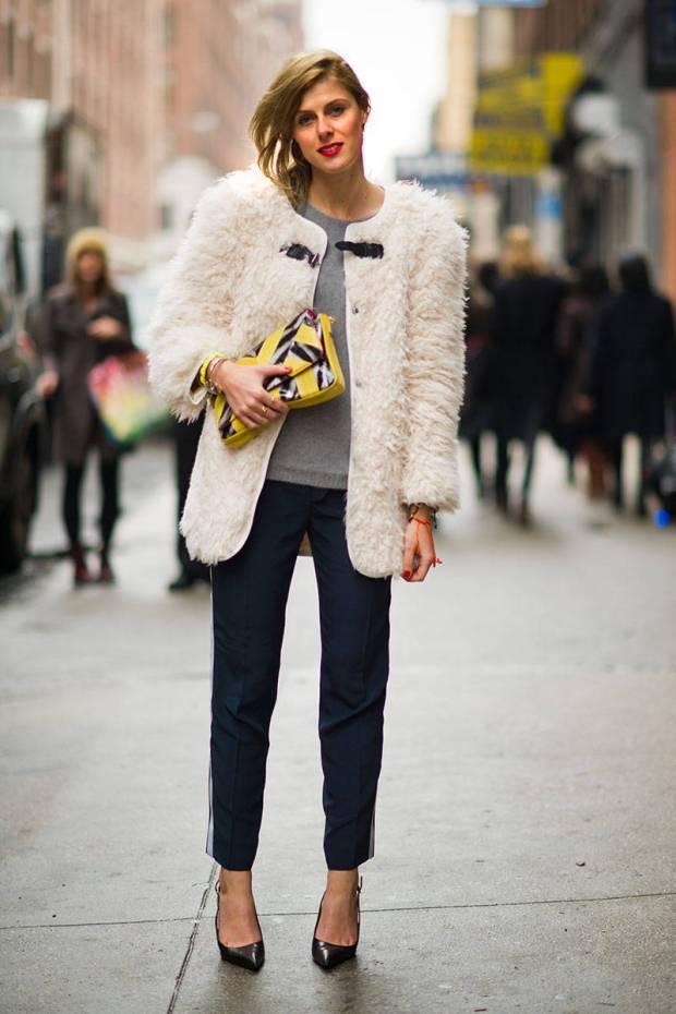 Statement jacket: jaqueta cheia de estilo e volumosa disfarça todo o resto com conforto