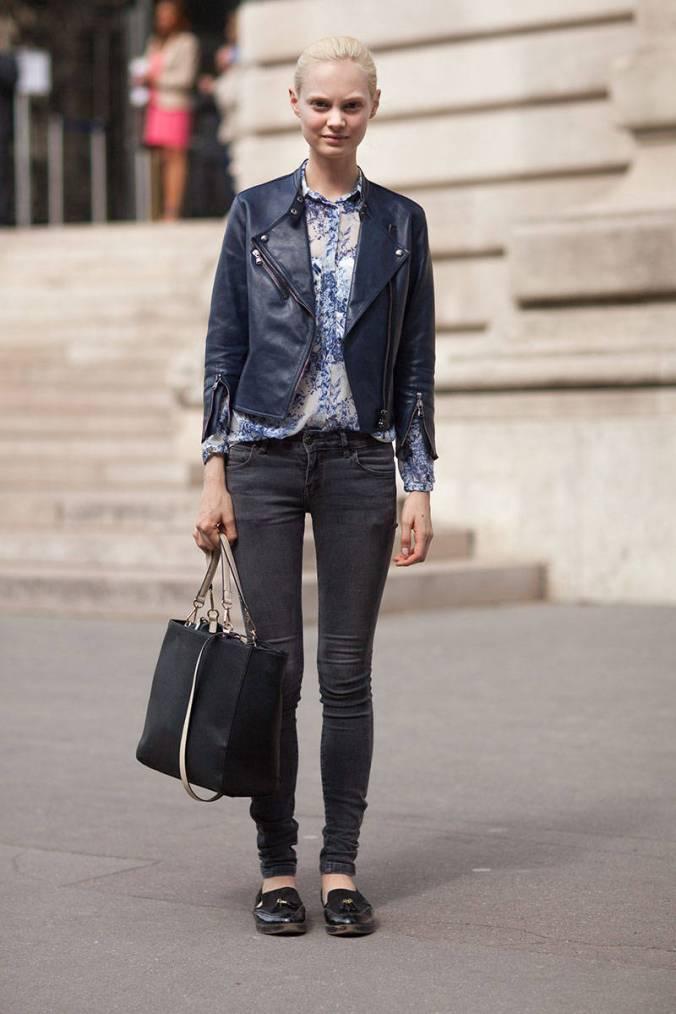 Camisa de seda para um efeito blusê + jeans skinny