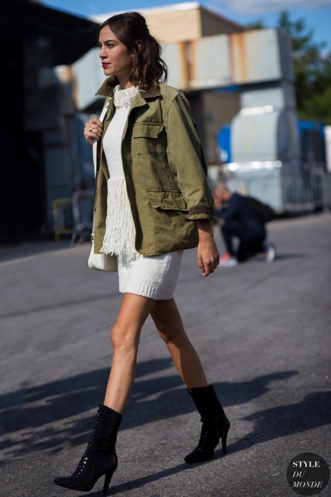 Alexa-Chung-by-STYLEDUMONDE-Street-Style-Fashion-Photography_MG_0931-700x1050